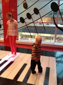 FAO Schwarz ...the piano from big